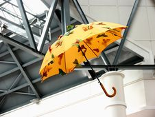 Free Flying Umbrella Royalty Free Stock Photos - 4343138