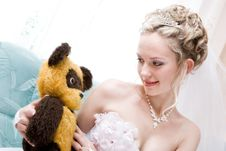 Free Bride With A Toy From Her Childhood Royalty Free Stock Photography - 4346157