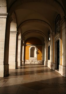 Free Archway 01 Royalty Free Stock Image - 4346436