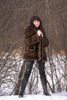 Free Woman In Fur Royalty Free Stock Images - 4346749