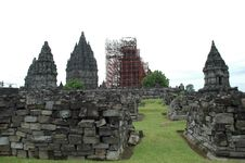 Free Prambanan After Earthquake Royalty Free Stock Image - 4350746