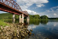 Free Steel Railroad Bridge Royalty Free Stock Photo - 4353595