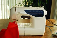 Free Sewing Machine Royalty Free Stock Photos - 4354528