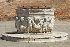 Free Water Well In Venice Stock Images - 4355964