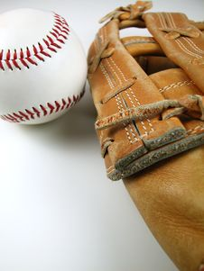 Free Baseball And Mitt-Vertical Stock Photo - 4365100
