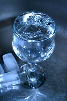 Free Water On Dark Royalty Free Stock Image - 4369416