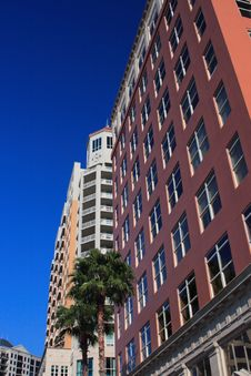 Free Highrise Apartment Building Royalty Free Stock Photos - 4371798