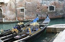 Free Gondolas In Venice Royalty Free Stock Photos - 4372078