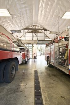 Free Fire Engines In Garage Royalty Free Stock Photos - 4373378