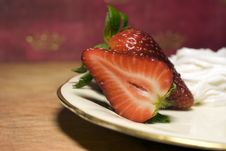 Free Strawberries With Cream Royalty Free Stock Photo - 4383225