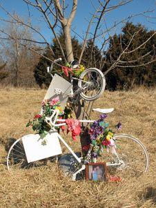 Free Bicycle Memorial Stock Image - 4385571