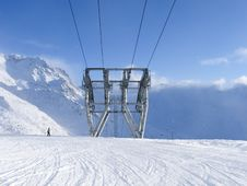 Free Lone Skier In Val Thorens Resort France Royalty Free Stock Photo - 4389635