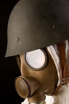 Free Military Person In Gas Mask And Helmet Royalty Free Stock Images - 4389789