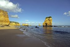 Free Rocky Southcoast In Portugal Royalty Free Stock Image - 4390886