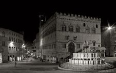 Free Fontana Maggiore Perugia 3 Royalty Free Stock Photography - 4391627