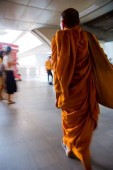 Free Walking Monk Royalty Free Stock Image - 4391896