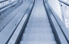 Free Escalators In Trade Center Stock Image - 4392541