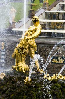 Free Peterhof Stock Images - 4394974