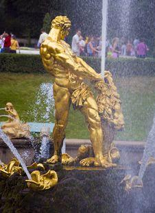 Free Peterhof Stock Images - 4395024