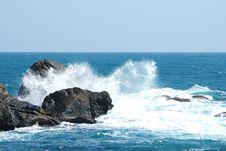 Free Scenery Of Wuzhizhou Island:surge Royalty Free Stock Photo - 4396295