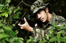 Free Soldier Taking Aim For Shot Stock Images - 4401274