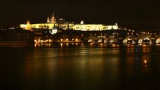 Free Night Prague Castle Royalty Free Stock Photos - 4402968