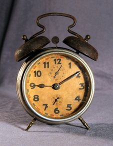 Free Old Alarm Clock Royalty Free Stock Images - 4404669
