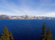 Free Lake In Winter Royalty Free Stock Photos - 4404728