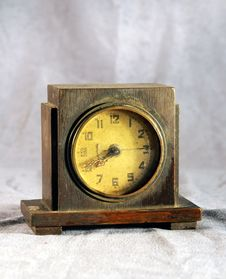 Free Old Alarm Clock Royalty Free Stock Photography - 4405057