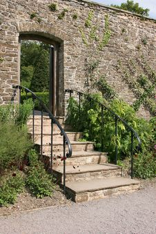 Free Ancient Garden Stairway Stock Photo - 4414230