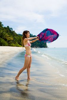 Free Having Fun At The Beach Royalty Free Stock Images - 4414399