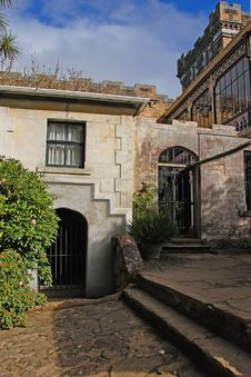 Free Secluded Courtyard 1 Royalty Free Stock Photography - 4430807