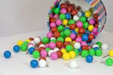 Free Multi-colored Round Thumtacks Stock Photography - 4433112