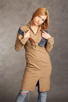Free Glamor Girl Posing Stock Photography - 4433372