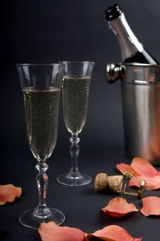 Free Chilled Champagne Stock Image - 4439321