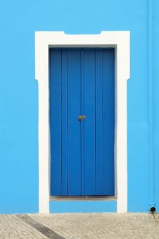 Free Door On Blue Stock Image - 4442451