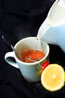 Free Lemon Hot Tea Pour Stock Photo - 4443890
