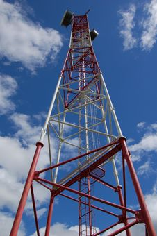 Free Radio Tower Royalty Free Stock Photo - 4444575