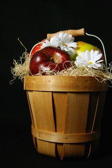 Free Fruit Basket Royalty Free Stock Images - 4446589