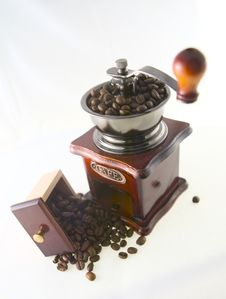 Free Coffee In Grinder Royalty Free Stock Photos - 4447638