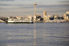 Free Ferry In Front Of Seattle Skyline Royalty Free Stock Photography - 4448087