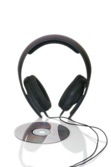 Free Headphones And Cd-disc Royalty Free Stock Photography - 4449567