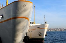 Free Steam Boats At The Doc In Istanbul Stock Image - 4452891