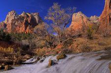 Free Waterfall Stock Image - 4453051