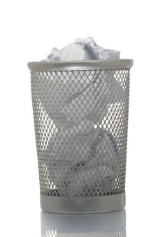 Free Mesh Trash Bin Full Of Paper Royalty Free Stock Photography - 4453917