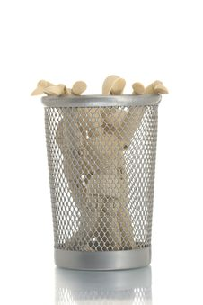 Free Mesh Trash Bin With Many Manikins Inside Royalty Free Stock Photos - 4453978