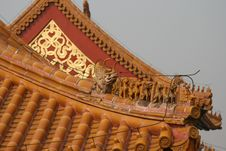 Free Dragons On The Roof Royalty Free Stock Photo - 4455555