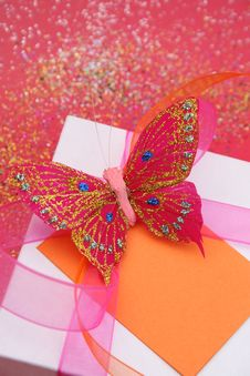 Free Butterfly Gift Royalty Free Stock Images - 4458919