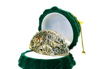 Free Precious Brooch In The Green Box Royalty Free Stock Images - 4458969