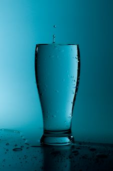 Free Water Splash Royalty Free Stock Photo - 4460335